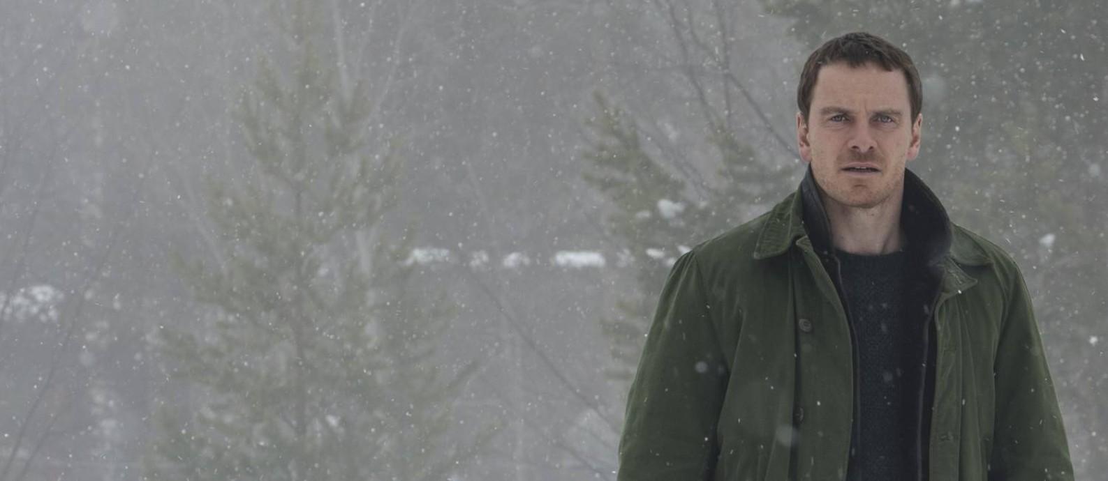 Em 'Boneco de neve', Michael Fassbender interpreta um detetive desajustado Foto: Jack English / Divulgação