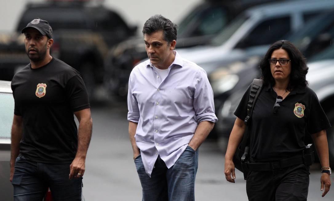 Resultado de imagem para Cachoeira é condenado a mais de 9 anos de prisão na Operação Saqueador