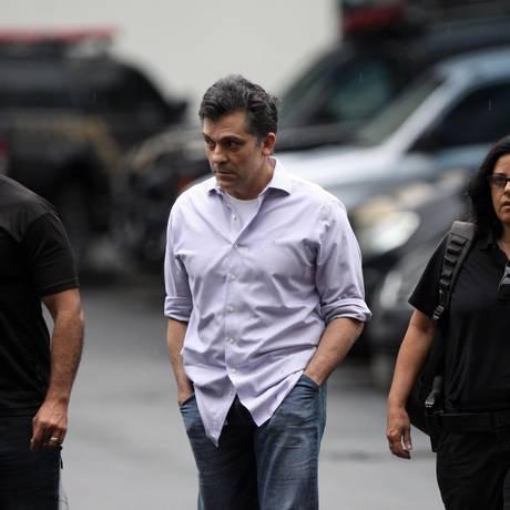 Fernando Cavendish na Polícia Federal Foto: Paulo Nicolella / Agência O Globo