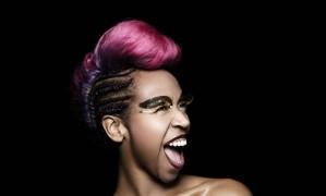 Karol Conka é estrela de exposição de beleza Foto: Gabriel Wickbold / Divulgação | Avon