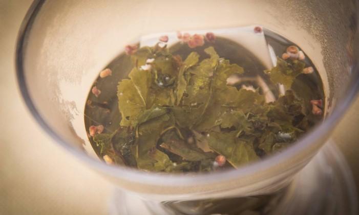 Todo chá é uma infusão, mas nem toda infusão é um chá Foto: BARBARA LOPES / Agência O Globo