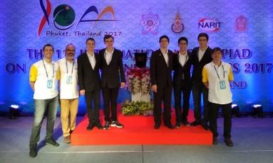 A equipe brasileira na 11ª Olimpíada Internacional de Astronomia e Astrofísica: bom resultado Foto: Divulgação