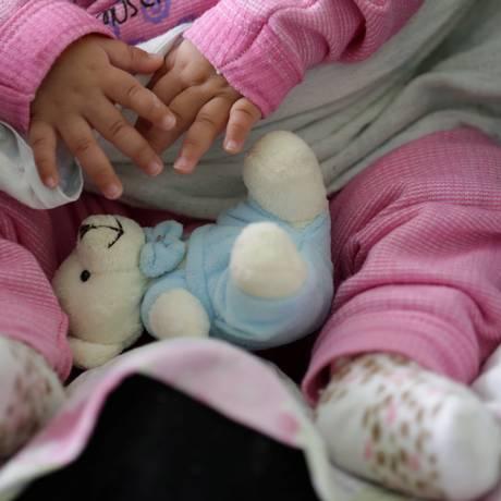 Após novo texto, crianças com deficiência terão prioridade na adoção Foto: Marcelo Theobald / Agência O Globo