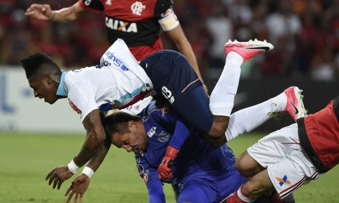Diego Alves voltará aos treinos em 2018