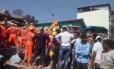 Pelo menos uma pessoa morreu após um prédio desabar na Índia Foto: Twitter/Reprodução