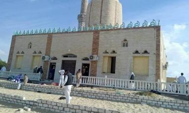 A mesquita de Al Rawdah em Bir al-Abad, oeste da cidade de Arish, capital da província do norte do Sinai Foto: Reprodução