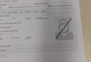 A ficha prisional de Sérgio Cabral, com a foto retirada Foto: Reprodução
