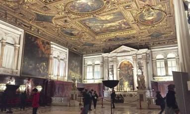 Salão. Telas e afrescos de Tintoretto garantiram o apelido de Capela Sistina Foto: Claudia Sarmento / FOTOS DE Claudia Sarmento
