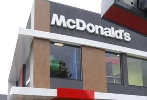 A loja do McDonald's recém-inaugurada em Itaipu: alimentação é o setor com mais franquias na cidade Foto: Fabio Guimarães / Agência O Globo