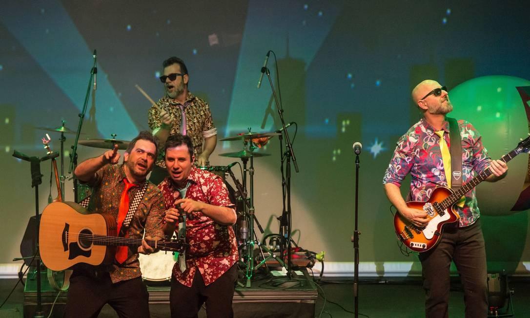 Beatles para crianças 2 - Banda apresenta as canções 'Sgt. Peppers Lonely Hearts Club Band' e 'She loves you', entre outros clássicos dos Beatles. Teatro Bradesco, no Village Mall. Sáb e dom, às 15h. De R$ 60 (frisa) a R$ 120 (plateia baixa). Únicas apresentações. Foto: Divulgação / Andreia Machado