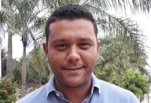 Atento às demandas. Diego Martins diz que recebe muitos pedidos de pequenos reparos nas ruas, e está fazendo um plano estratégico para toda a região Foto: Divulgação / divulgação/administração regional de Jacarepaguá