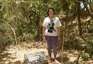 Maria Chrysthina plantou uma árvore em homenagem ao filho Foto: Nina Lima / Agência O Globo
