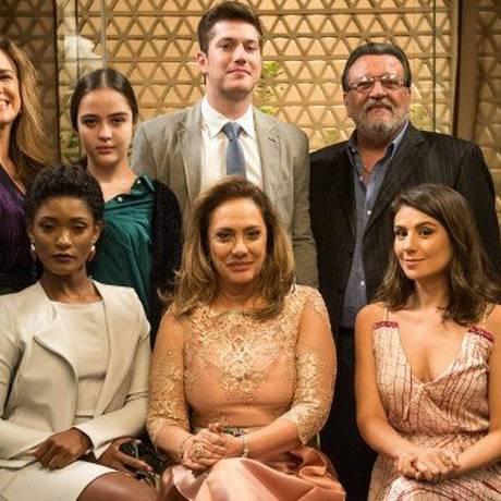 Parte do elenco de 'O outro lado do paraíso' Foto: Divulgação