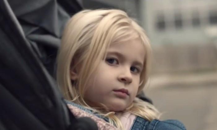 Cena do trailer de 'Arkangel', episódio da quarta temporada de 'Black mirror' Foto: Reprodução