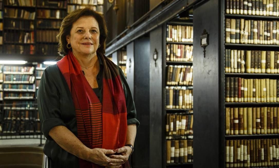 A presidente da Biblioteca Nacional, Helena Severo: poesia foi a categoria com mais inscrições Foto: Fernando Lemos / Agência O Globo