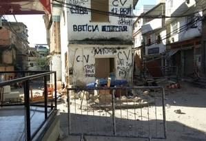 O prédio onde funcionava o Posto de Policiamento Comunitário no Morro do Barbante Foto: Reprodução / Foto