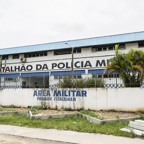 A fachada do 39º BPM (Belford Roxo), na Baixada Fluminense, região onde aconteceu a maior parte dos autos de resistência em que estão envolvidos os 20 policiais listados pelo GLOBO Foto: Hermes de Paula / Agência O Globo
