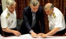 Mauricio Macri acompanha buscas por submarino desaparecido Foto: Presidencia Argentina / Agência O Globo