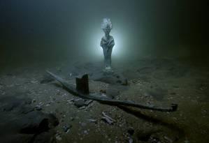 Artefatos em homenagem ao deus Osíris foram encontrados no local dos naufrágios Foto: Ministério de Antiguidades do Egito