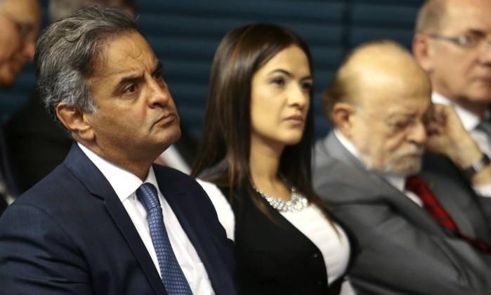 Aécio e Aloysio defendem que PSDB feche questão em relação à Previdência