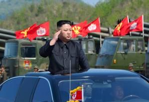 Kim Jong-un participa de exercício militar em imagem divulgada pela agência KCNA Foto: KCNA / REUTERS