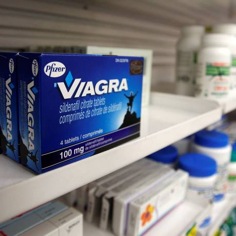 Emabalagem de Viagra em uma farmácia Foto: Mark Blinch / REUTERS