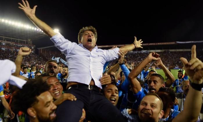 Resultado de imagem para Grêmio volta a vencer o Lanús e conquista a Copa Libertadores