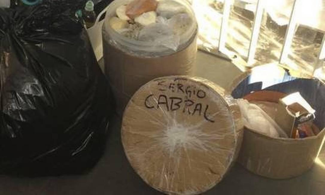 O material apreendido na cela de Cabral Foto: Divulgação