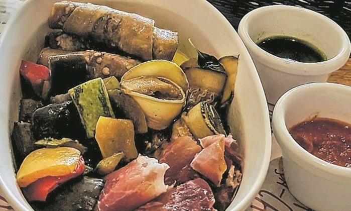 Antipasti, exceção em meio a pratos equivocados Foto: Luciana Fróes