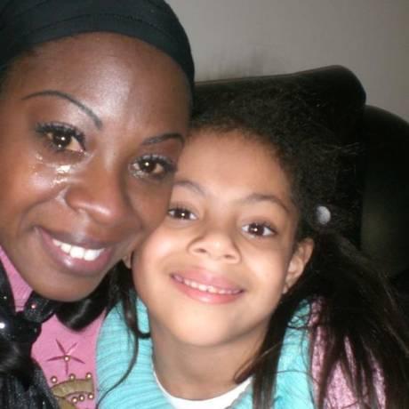 Cláudia Boutros com a filha Gabriella, que hoje tem 13 anos Foto: Facebook/Reprodução