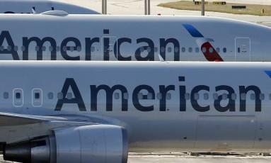 Aviões da American Airlines no Aeroporto Internacional de Miami, nos EUA Foto: Wilfredo Lee/AP/6-11-2017