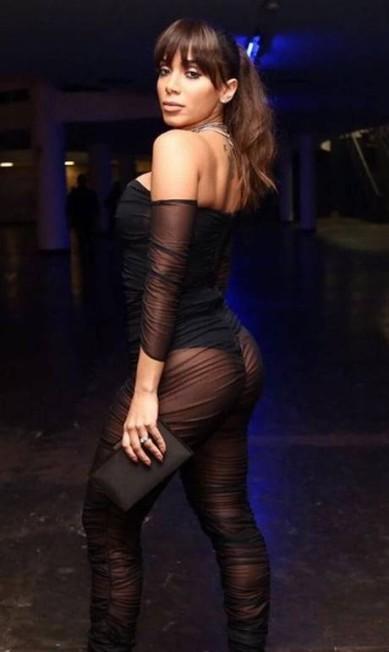"""Um time de estrelas esteve na Bienal do Ibirapuera, em São Paulo, na noite de quinta-feira, para celebrar os """"homens do ano"""" eleitos pela revista """"GQ"""". Como de praxe, uma única personalidade feminina integrou a seleção, e, em 2017, a """"mulher do ano"""" não poderia ser outra: Anitta. Confira o que os convidados vestiram na festa Reprodução Instagram"""