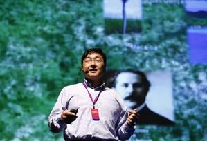 Pesquisador Edgard Morya, diretor de Pesquisa Instituto Internacional de Neurociência, em palestra no Wired Festival Foto: Pablo Jacob / Agencia O Globo