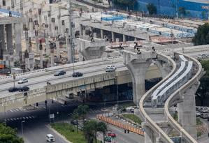 Atrasada, obra de Monotrilho na Zona Sul de São Paulo será uma das beneficiadas por novo pedido de financiamento Foto: Pedro Kirilos / Agencia O Globo