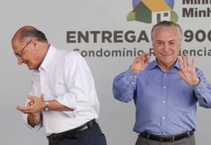 O presidente Michel Temer ao lado do governador de SP, Geraldo Alckmin Foto: Marcos Alves / Agência O Globo