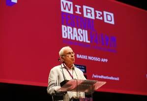 """Especialista em inteligência artificial, o britânico David Levy fala sobre a relação entre humanos e máquinas no Wired Festival. Ele é autor do livro """"Amor e sexo com robôs"""" Foto: Pablo Jacob / Agência O Globo"""