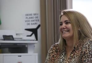 A ex mulher de Jair Bolsonaro Ana Cristina Valle no gabinete do vereador de Resende Renan Marassi (PPS), onde trabalha Foto: Custódio Coimbra / Agência O Globo