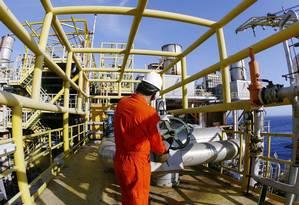 Petrobras faz profunda reforma em 39 plataformas de petróleo na Bacia de Campos. Foto de divulgação. Na foto, a P-37