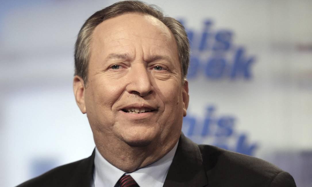 Para Larry Summers, corte de impostos vai diminuir cobertura de assistência à saúde / AP