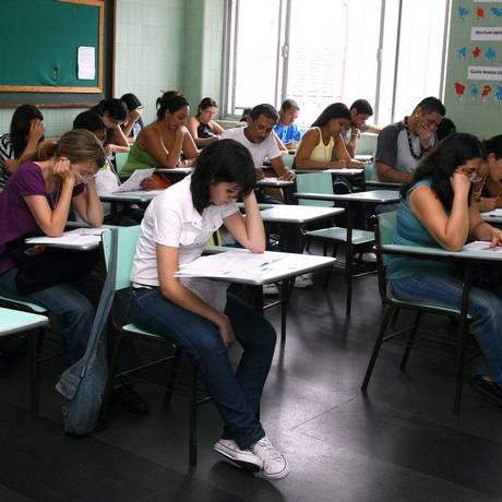 Estudantes fazendo a prova do Enade Foto: Lucíola Villela