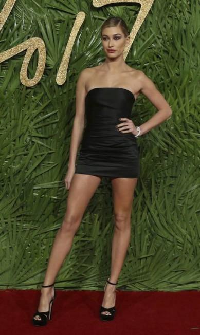 Que tal o look fatal da modelo Hailey Baldwin? Joel C Ryan / Joel C Ryan/AP