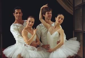 Ensaio do balé Quebra-Nozes no Teatro Municipal, em 1999 Foto: Leonardo Aversa / O Globo