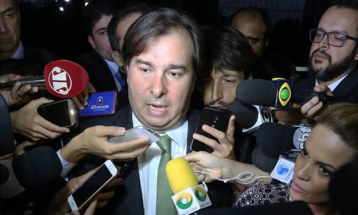 Deputados do PMDB decidem fechar questão a favor de reforma da Previdência