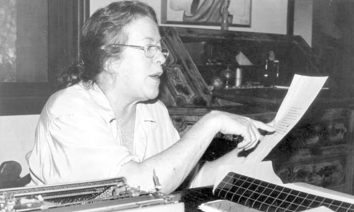 A escritora Hilda Hilst Foto: Roberto de Biasi / Arquivo