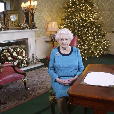 A rainha Elizabeth II em Sandringham House, Norfolk, onde a família real britânica passa o Natal Foto: Yui Mok / PA