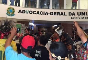 Indígenas protestam na AGU contra regras para demarcação de terras Foto: Divulgação/Cimi