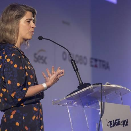 Maria Fernanda Delmas, editora executiva do GLOBO, apresentou no 'Reage, Rio!' iniciativas que foram colocadas em prática a partir de propostas surgidas na primeira edição do seminário Foto: Julio Cesar Guimaraes / Agência O Globo