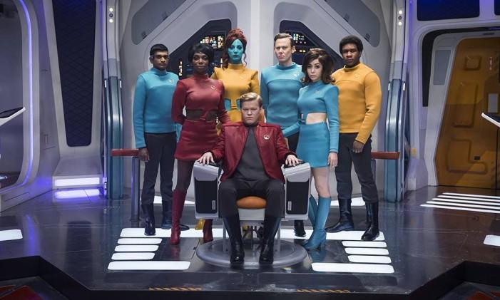 Jesse Plemons, Jimmi Simpson, Cristin Milioti e Michaela Coel em cena do episódio 'USS Callister', da quarta temporada de 'Black Mirror' Foto: Divulgação