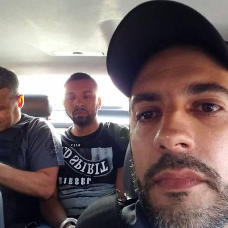 Gabriel Ferrando em selfie com Rogério 157 Foto: WhatsApp / Reprodução