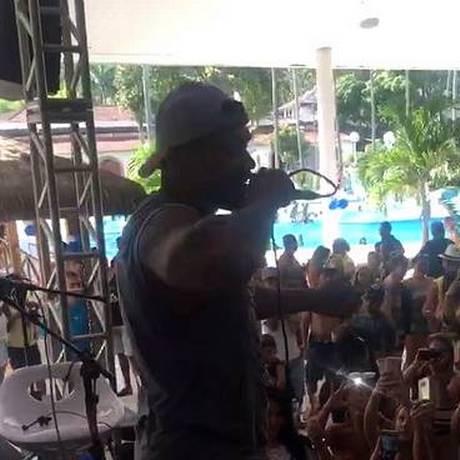 Naldo Benny canta em festa de confraternização de Batalhão da PM Foto: Reprodução/ instagram
